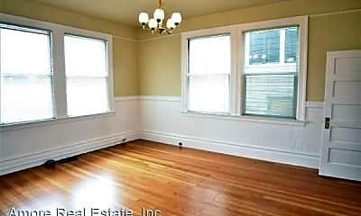Bedroom, 718 Green St, 1