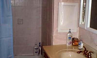 Bathroom, 3114 N Newhall St, 1