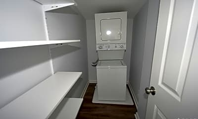 Bathroom, 195 New York Avenue, 2