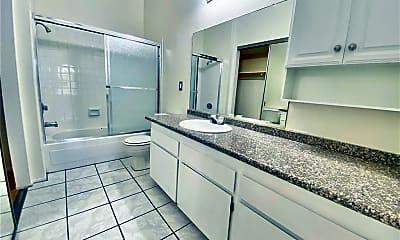 Bathroom, 3975 Bushnell Dr 41, 2