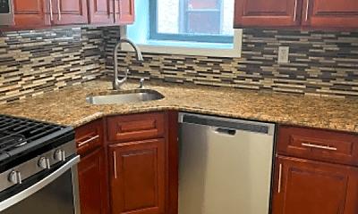 Kitchen, 951 Putnam Ave, 1