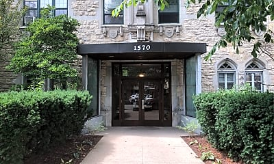 1570 Oak Ave, 1