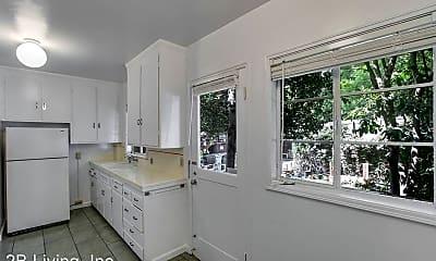 Bathroom, 2727 Parker St, 2