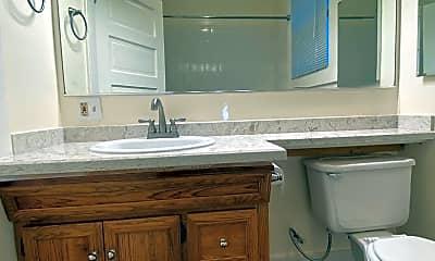 Bathroom, 717 21st St, 1