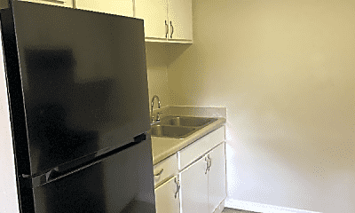 Kitchen, 472 Brentwood Dr, 1