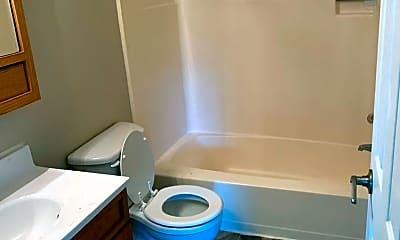 Bathroom, 3211 E Rosser Ave, 1
