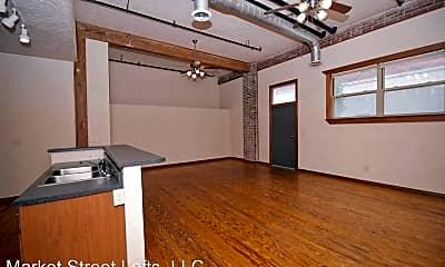 Bathroom, 504 W Olive St, 2