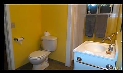 Bathroom, 254 E 4th Ave Apt 1, 2