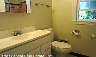 Bathroom, 832 N 1st St, 2