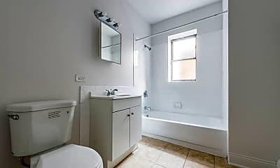 Bathroom, 5100 W Madison, 2