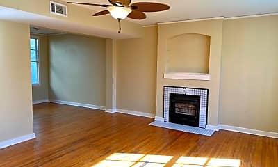 Living Room, 1911 Oleander St, 0