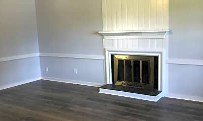 Living Room, 1405 Treetop Ln, 1