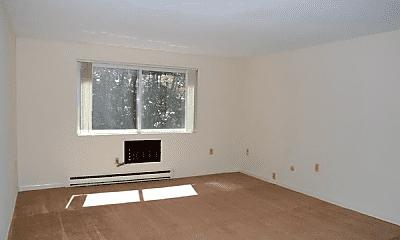 Living Room, 18 E Meadow Ln, 1
