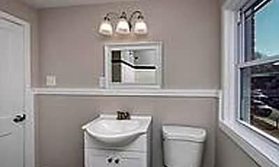 Bathroom, 186 W Meadow Rd, 2