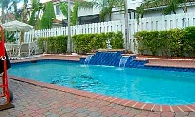 Pool, 11301 Rockinghorse Rd, 1