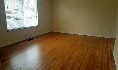 Living Room, 312 Laurel Ave, 2