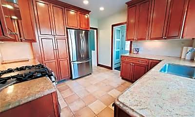 Kitchen, 89 Center St, 1