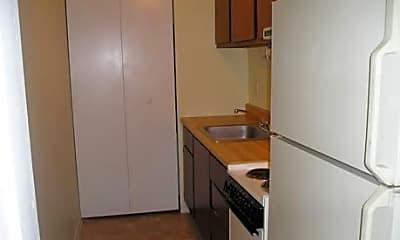Live Oak Apartments, 2