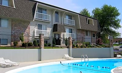 Whispering Pines Townhomes, 2