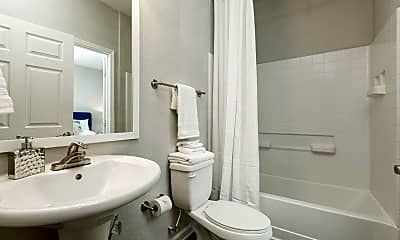 Bathroom, The Parke at Oakley, 2
