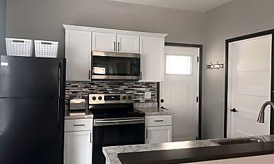 Kitchen, 1116 Birchmont Dr NE, 1