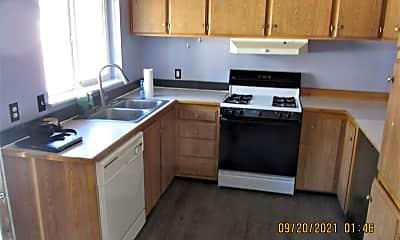 Kitchen, 10819 SE Bush St, 1