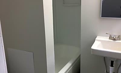 Bathroom, 121 W Walnut St, 1