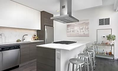 Kitchen, 218 W Kinzie St, 2