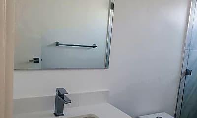Bathroom, 1333 W 36th Pl, 2