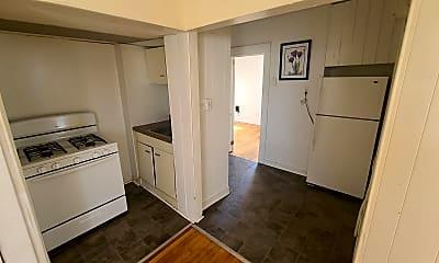 Kitchen, 2906 Cottage Grove Ave, 1