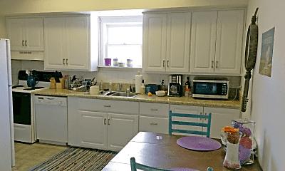 Kitchen, 415 S Loomis Ave, 1