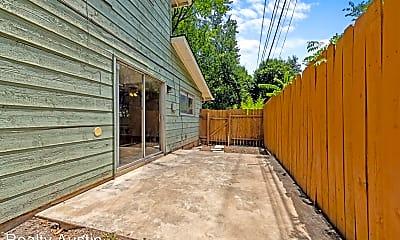 Kitchen, 607 E 43rd St, 2