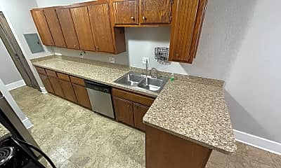 Kitchen, 1521 1/2 NW 17th St, 1