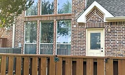 Building, 236 Milan St 601, 2