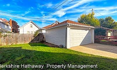 Building, 2560 N 61st St, 2