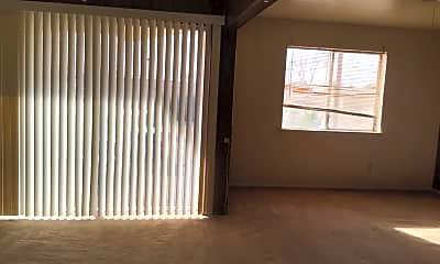 Living Room, 2100 Mitchell St, 1