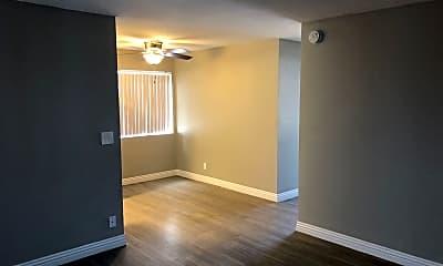 Living Room, 525 28th St, 2