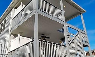 Patio / Deck, 49 Carteret Ave 2, 1