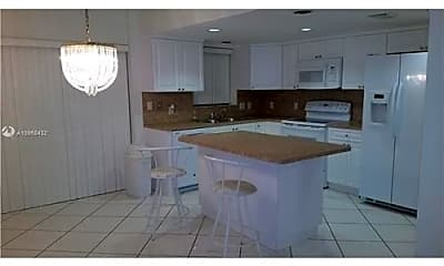 Kitchen, 4725 SW 62nd Ave, 1