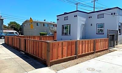 Building, 205 N Claremont St, 1