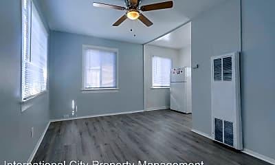 Bedroom, 425 Redondo Ave, 1