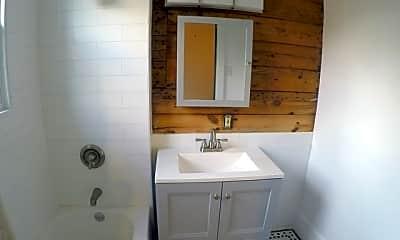 Bathroom, 423 W Woodlawn Ave 4, 0