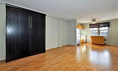 Living Room, 39 Glenbrook Rd 2W, 1