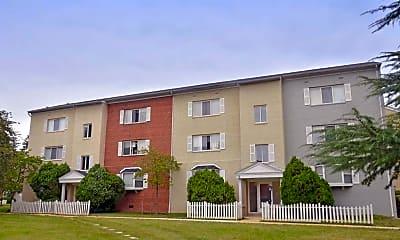 Building, Hollybrooke Apartments, 0
