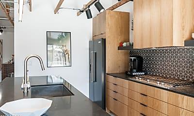 Kitchen, 8731 E Starlight Way, 2