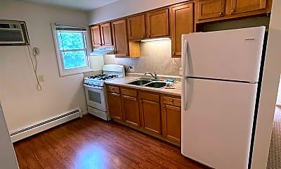 Kitchen, 809 Carrier Creek Blvd NE, 2