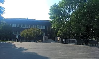 Manitou Manor Apartments, 2