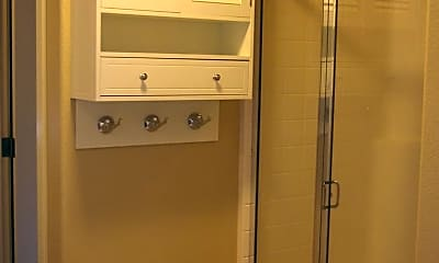 Bathroom, 154 NE Porto Way, 2