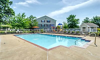 Pool, South Main Commons Apartments, 1