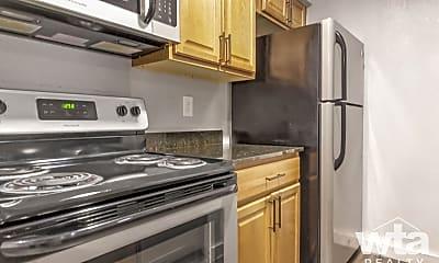 Kitchen, 2101 Elmont Dr, 1